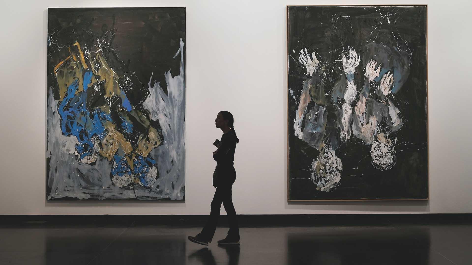 How Do Art Galleries Make Money